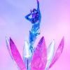 Девушка в цветке