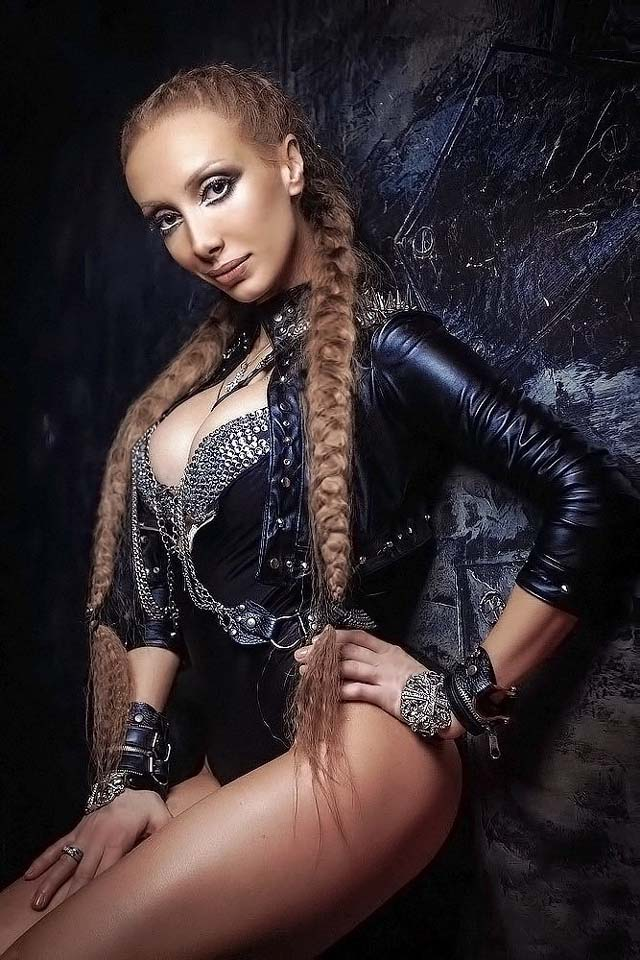 Танцовщица гоу-гоу Лана